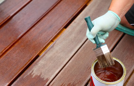 Wir reinigen und renovieren Ihre Terrassendielen
